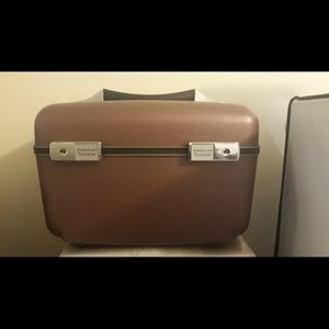 VINTAGE AMERICAN TOURISTER COSMETIC CASE